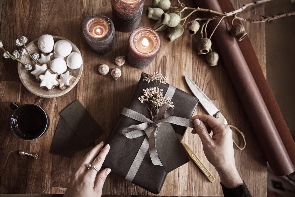 Jak zapakować prezenty świąteczne? Trendy 2020